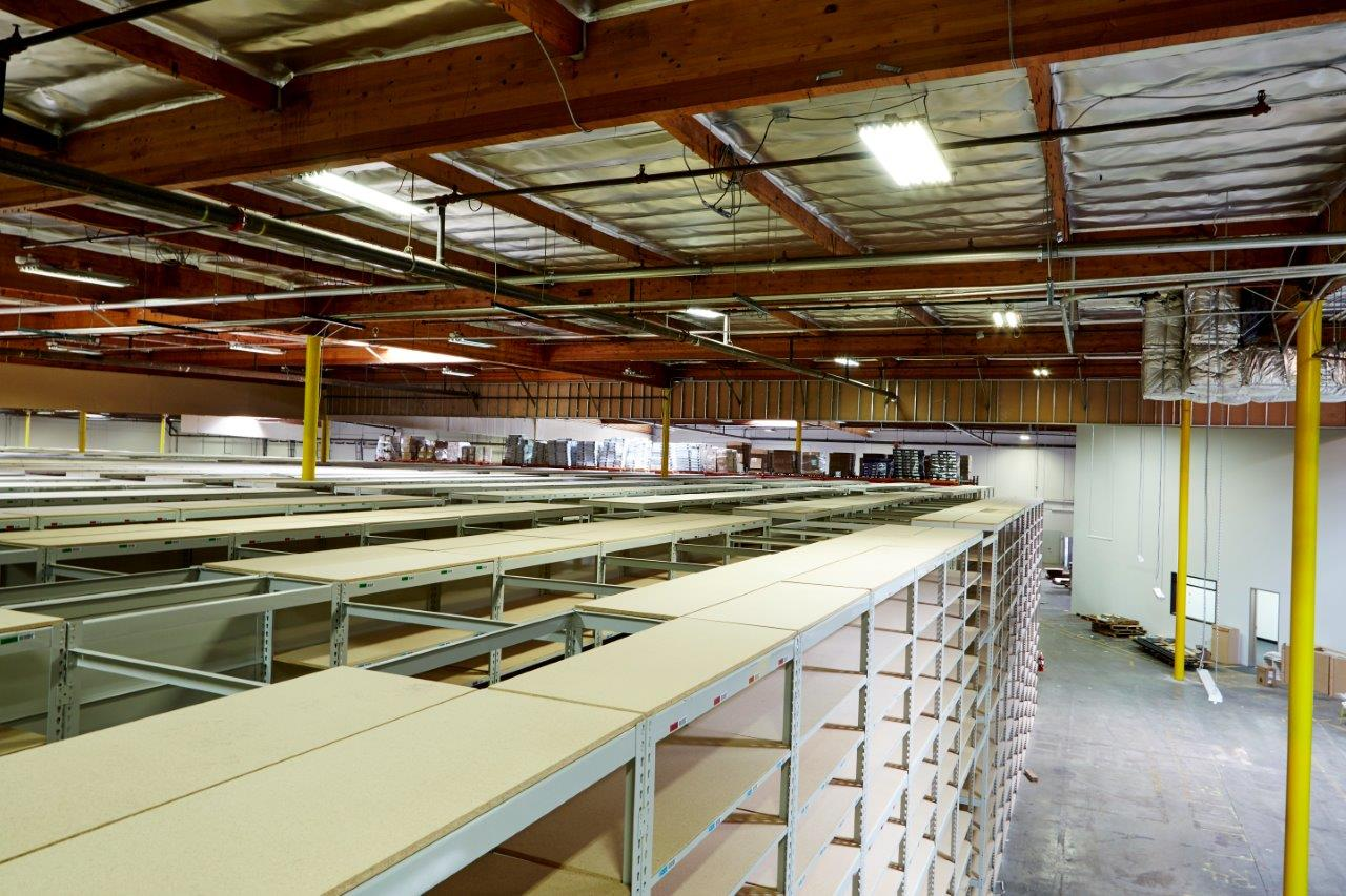 35 000 Sqft Catwalk Rivet Shelving And Pallet Rack